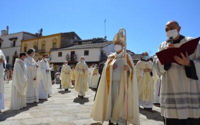 La apertura de la Puerta Santa de la basílica inaugura el Año Jubilar Guadalupense